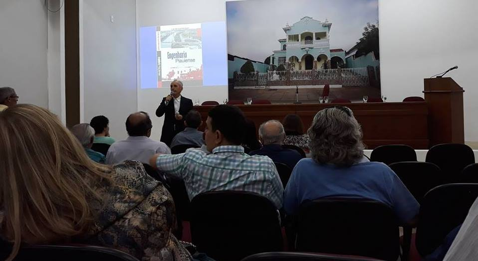 Cid Dias apresenta seu novo livro na APL