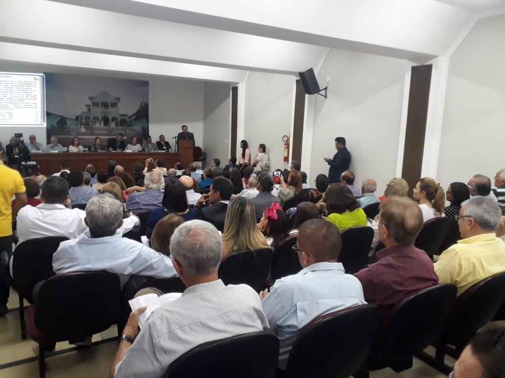 APL lança novos livros e homenageia Alberto Silva e Salomão Azar Chaib